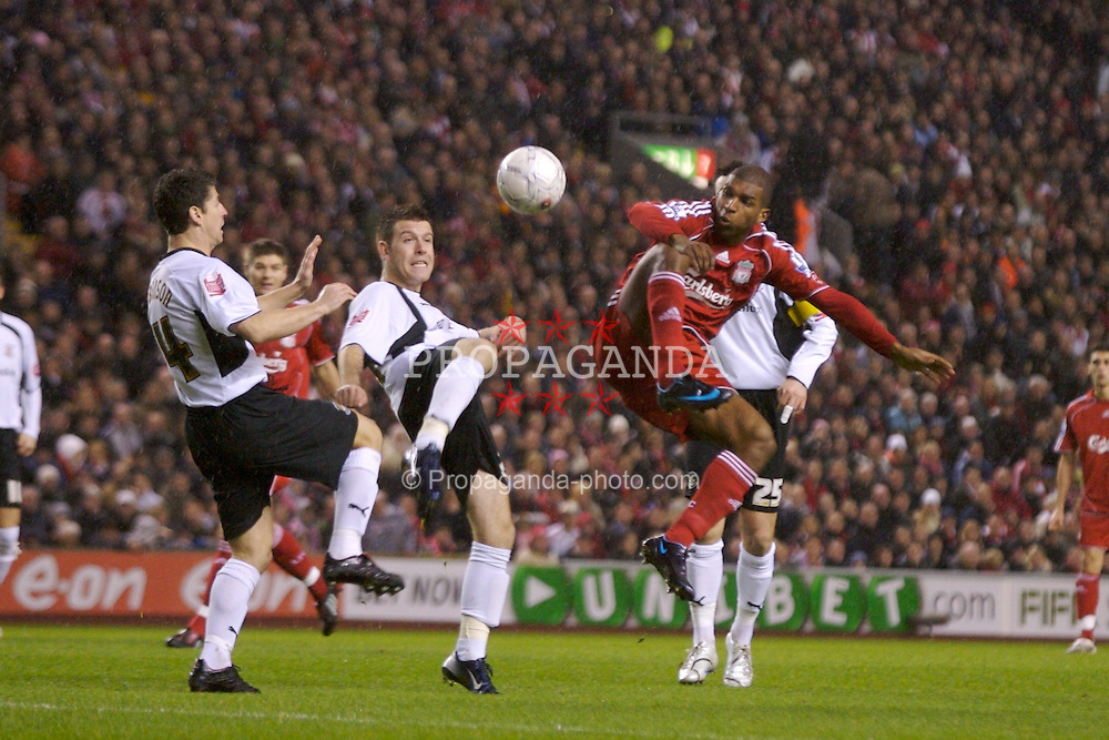 LIVERPOOL, ENGLAND - Tuesday, January 15, 2008: Liverpool's Ryan Babel and Luton Town's Steve Robinson during the FA Cup 3rd Round Replay at Anfield. (Photo by David Rawcliffe/Propaganda)