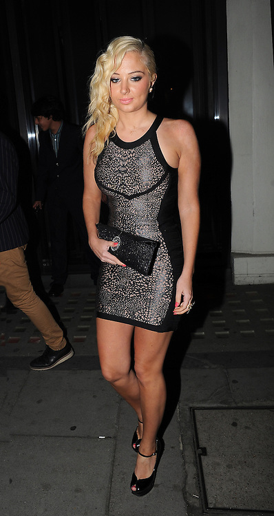 17.SEPTEMBER.2012. LONDON<br /> <br /> TULISA LEAVING HAKASAN RESTAURANT IN MAYFAIR.<br /> <br /> BYLINE: EDBIMAGEARCHIVE.CO.UK<br /> <br /> *THIS IMAGE IS STRICTLY FOR UK NEWSPAPERS AND MAGAZINES ONLY*<br /> *FOR WORLD WIDE SALES AND WEB USE PLEASE CONTACT EDBIMAGEARCHIVE - 0208 954 5968*