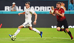 Gareth Bale of Real Madrid drives toward goal as Luke Shaw of Manchester United follows on the play during International Champions Cup action at Hard Rock Stadium in Miami Gardens, FL, USA on Tuesday, July 31, 2018. Manchester United won, 2-1. Photo by Jim Rassol/Sun Sentinel/TNS/ABACAPRESS.COM