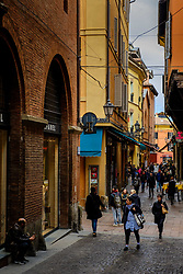 Shoppers in the Via Marchesana, Bologna, Italy<br /> <br /> (c) Andrew Wilson | Edinburgh Elite media