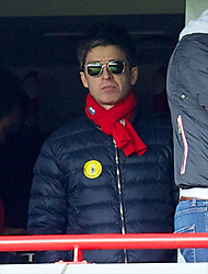 13.04.2014, Anfield, Liverpool, ENG, Premier League, FC Liverpool vs Manchester City, 34. Runde, im Bild Former Oasis front man and Manchester City supporter Noel Gallagher watches his side lose 3-2 to Liverpool // during the English Premier League 34th round match between Liverpool FC and Manchester City at Anfield in Liverpool, Great Britain on 2014/04/13. EXPA Pictures © 2014, PhotoCredit: EXPA/ Propagandaphoto/ David Rawcliffe<br /> <br /> *****ATTENTION - OUT of ENG, GBR*****