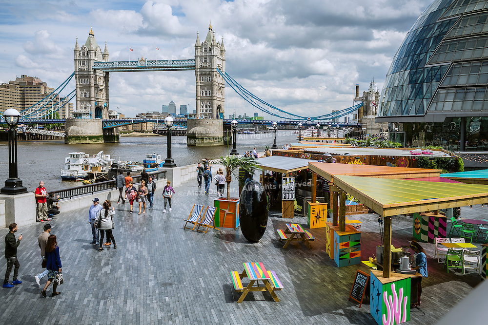 Thames Path, Tower Birdge/City Hall - London, England, 2016