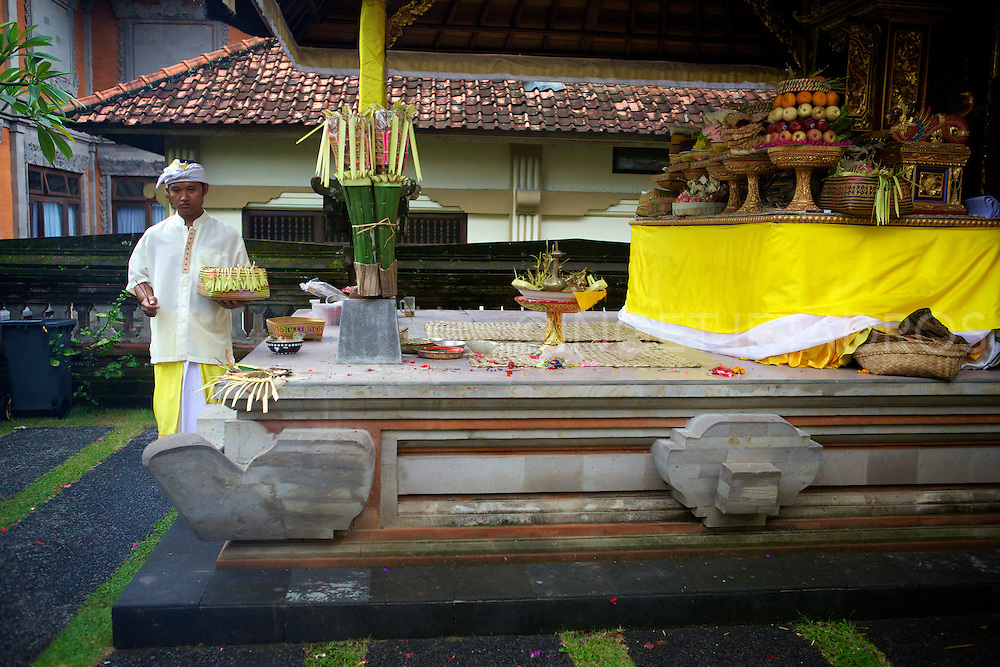 Festivals and ritual ceremonies are the important part of Balines daily life, held according to Balinese Calender.<br />