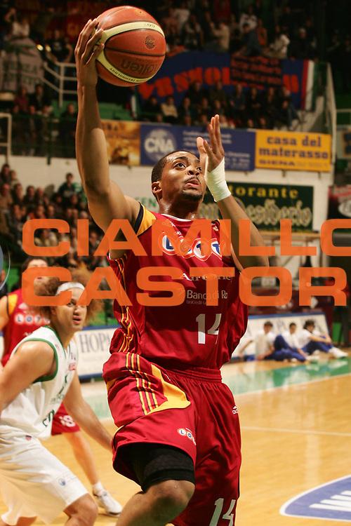 DESCRIZIONE : Siena Lega A1 2007-08 Montepaschi Siena Lottomatica Virtus Roma <br /> GIOCATORE : Allan Ray <br /> SQUADRA : Lottomatica Virtus Roma <br /> EVENTO : Campionato Lega A1 2007-2008 <br /> GARA : Montepaschi Siena Lottomatica Virtus Roma <br /> DATA : 09/12/2007 <br /> CATEGORIA : Tiro <br /> SPORT : Pallacanestro <br /> AUTORE : Agenzia Ciamillo-Castoria/P.Lazzeroni