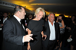 Left to right, HARVEY WEINSTEIN, ELISABETH MURDOCH and SIR PHILIP GREEN at the annual GQ Awards held at the Royal Opera House, Covent Garden, London on 8th September 2009.