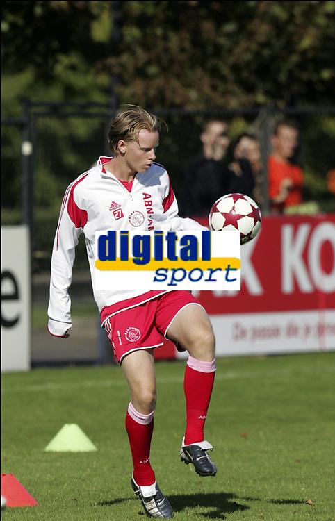 Fotball<br /> Trening Ajax<br /> Amsterdam<br /> 9. september 2004<br /> Foto: Digitalsport<br /> NORWAY ONLY<br /> TOM DE MUL