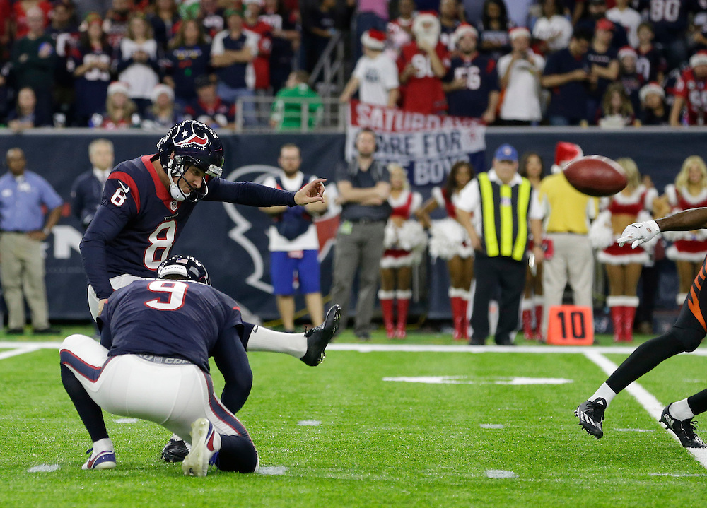 Houston Texans kicker Nick Novak (8) kicks a field goal against the Cincinnati Bengals during the second half of an NFL football game Saturday, Dec. 24, 2016, in Houston. (AP Photo/Sam Craft)