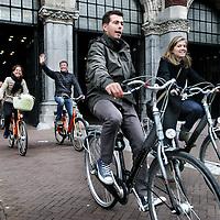 Nederland, Amsterdam , 20 oktober 2014.<br /> De fiets- en wandeldoorgang onder het Rijksmuseum verloopt weer soepel.<br /> Op de foto: de doorgang gezien vanaf de Stadhouderskade.<br /> Foto:Jean-Pierre Jans