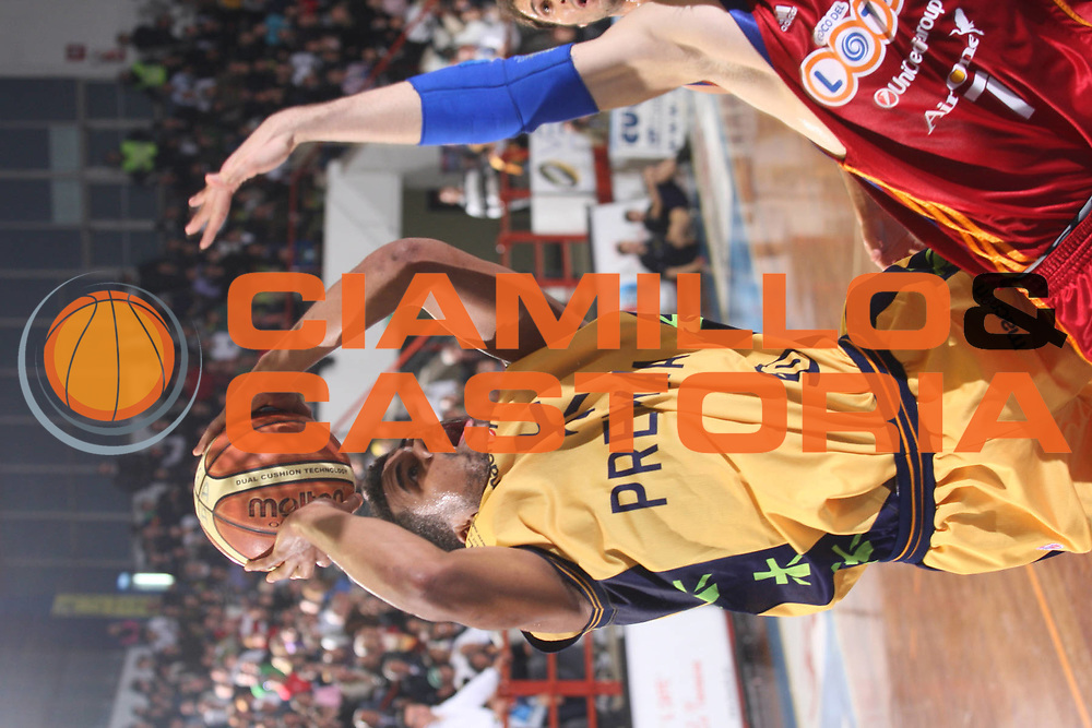 DESCRIZIONE : Porto San Giorgio Lega A 2008-09 Premiata Montegranaro Lottomatica Virtus Roma<br /> GIOCATORE : Brice Taylor<br /> SQUADRA : Premiata Montegranaro<br /> EVENTO : Campionato Lega A 2008-2009<br /> GARA : Premiata Montegranaro Lottomatica Virtus Roma<br /> DATA : 19/04/2009<br /> CATEGORIA : Tiro<br /> SPORT : Pallacanestro<br /> AUTORE : Agenzia Ciamillo-Castoria/G.Ciamillo