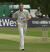 2003 - Cricket - Frizzell County Championships Div 1. Sussex CCC v Nottinghamshire CCC.21/05/03 - Photo Peter Spurrier.Steve Elworthy... [Mandatory Credit:Peter SPURRIER/Intersport Images]
