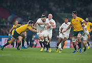 Twickenham, Great Britain,     Tom WOOD, running withe ball, during the Pool A game, England vs Australia.  2015 Rugby World Cup, Venue, RFU Stadium, Twickenham, Surrey, ENGLAND.  Saturday  03/10/2015<br /> Mandatory Credit; Peter Spurrier/Intersport-images]