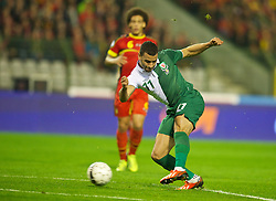 BRUSSELS, BELGIUM - Tuesday, October 15, 2013: Wales' Hal Robson-Kanu in action against Belgium during the 2014 FIFA World Cup Brazil Qualifying Group A match at the Koning Boudewijnstadion. (Pic by David Rawcliffe/Propaganda)