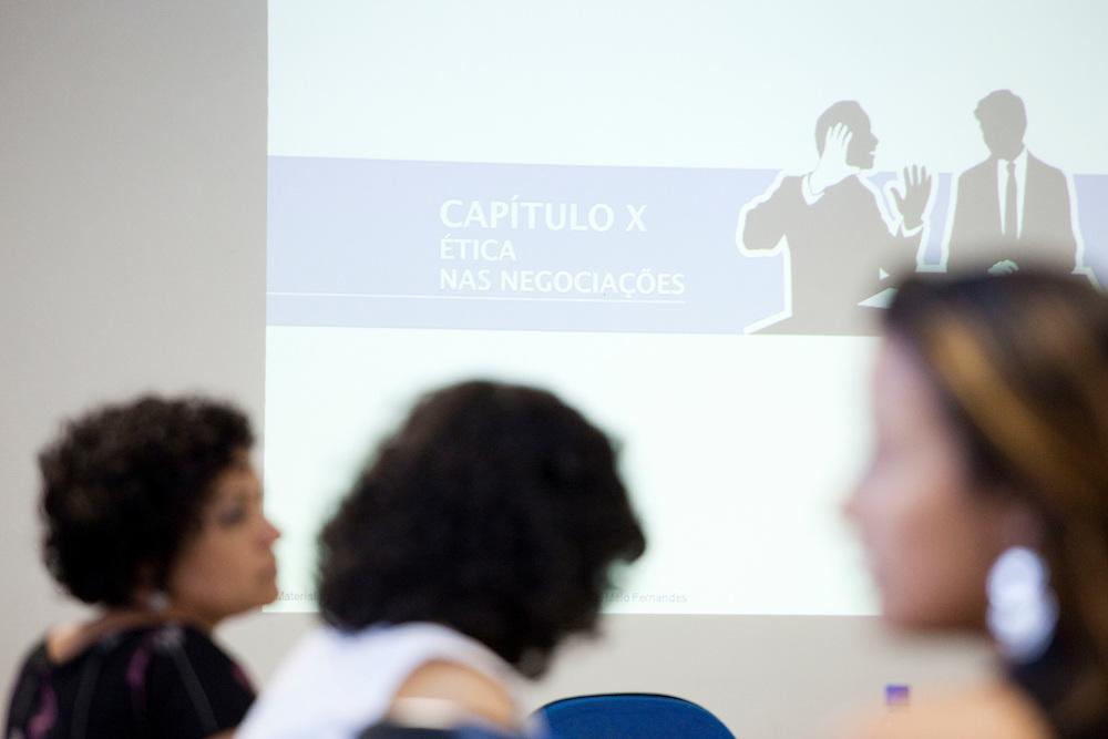 Belo Horizonte_MG, 16 de fevereiro de 2011. .PEGN / Mulheres Empreendedoras..Documentacao do Projeto 10.000 Mulheres do Banco Goldman Sachs teve inicio em 2008 e preve, em 5 anos, investir U$ 100 milhoes na formacao de mulheres empreendedoras de paises em desenvolvimento. No Brasil, a Fundacao Dom Cabral e a responsavel pelo projeto e, 500 mulheres, donas de micro e pequenos negocios foram escolhidas para o programa de gestao empresarial e estruturacao de um plano de negocios. A documentacao fotografica e feita com 5 mulheres que participa do curso em Belo Horizonte...Foto: NIDIN SANCHES / NITRO