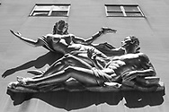 Sculpture on the facade of 980 Madison Avenue.