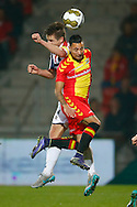 27-10-2015 VOETBAL: GO AHEAD EAGLES-WILLEM II:DEVENTER<br /> KNVB Beker<br /> <br /> Jordens Peters van Willem II in duel met Justin Mathieu van Go Ahead Eagles <br /> <br /> Foto: Geert van Erven