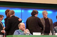 08 DEC 2002, BERLIN/GERMANY:<br /> Fritz Kuhn (2.v.L.) beglueckwuenscht Angelika Beer (L) und Joschka Fischer (R) beglueckwünscht Reinhard Buetikofer (2.v.R.), zu ihrer Wahl zur/zum Bundesvorsitzenden, Buendnis 90 / Die Gruenen Bundesdelegiertenkonferenz, Congress Centrum Hannover<br /> IMAGE: 20021208-01-033<br /> KEYWORDS: Green Party, party congress, Bündnis 90 / Die Grünen, Parteitag, BDK, Reinhard Bütikofer
