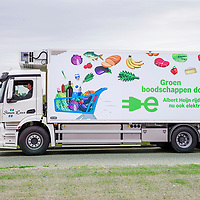 Nederland, Zaandam, 15 mei 2017.<br /> Ingebruikname eerste e-trucks voor Albert Heijn.<br /> De Amsterdamse wethouder Abdeluheb Choho, wethouder Duurzaamheid neemt de eerste van de twee e-trucks in gebruik die Albert Heijn-supermarkten in Amsterdam gaan bevoorraden.<br /> <br /> Foto: Jean-Pierre Jans<br /> <br /> The Netherlands, Zaandam, May 15, 2017. <br /> Commissioning of the first e-trucks for supermarket chain Albert Heijn.<br /> Photo: Jean-Pierre Jans