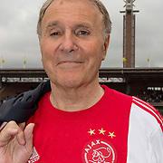 Amsterdam, 03-07-2013. Oud-Ajaxied Sjaak Swart wordt 75 jaar en krijgt een jubileumwedstrijd in het Olympisch Stadion te Amsterdam. Vele oud-Ajax gedienden waren uitgenodigd. Mr. Ajax - Sjaak Swart maakte deel uit van oud-Ajax elftal. Foto: Bennie Muller.