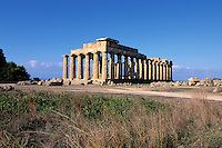 Italie. Sicile. Selinunte. Temple E // E temple. Selinunte. Sicily. Italy.