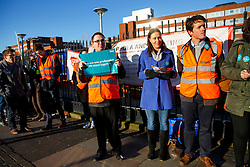© Licensed to London News Pictures. 12/01/2016. London, UK. Juniors doctors at a picket line outside St George's Hospital in Tooting, south London as junior doctors in England have gone on strike in a dispute with the government over a new contract on Tuesday, 12 January 2015. Photo credit: Tolga Akmen/LNP