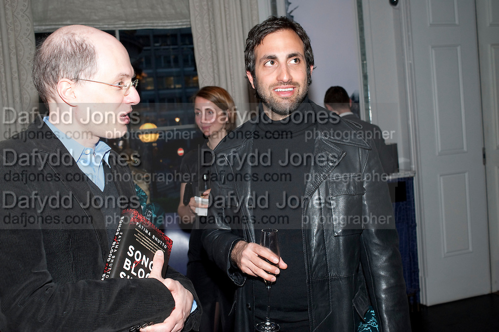 ALAIN DE BOTTON; TIM SAMUELS, Henry Porter hosts a launch for Songs of Blood and Sword by Fatima Bhutto. The Artesian at the Langham London. Portland Place. 15 April 2010.  *** Local Caption *** -DO NOT ARCHIVE-© Copyright Photograph by Dafydd Jones. 248 Clapham Rd. London SW9 0PZ. Tel 0207 820 0771. www.dafjones.com.<br /> ALAIN DE BOTTON; TIM SAMUELS, Henry Porter hosts a launch for Songs of Blood and Sword by Fatima Bhutto. The Artesian at the Langham London. Portland Place. 15 April 2010.