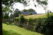 Montreuil-sur-Mer is een goed bewaard gebleven citadel zoals er maar weinig voorkomen.Montreuil-sur-Mer heeft dankzij zijn rijke periode een abdijkerk en een flamboyante kapel. We starten in dit historisch hart van de stad en maken een wandeling op de vestigingen waar je kan genieten van een prachtig panorama. <br /> <br /> Montreuil-sur-Mer is a well-preserved citadel as there are few voorkomen.Montreuil-sur-Mer thanks to its rich period an abbey church and a flamboyant chapel. We start in the historic heart of the city and take a walk on the sites where you can enjoy a magnificent panorama.