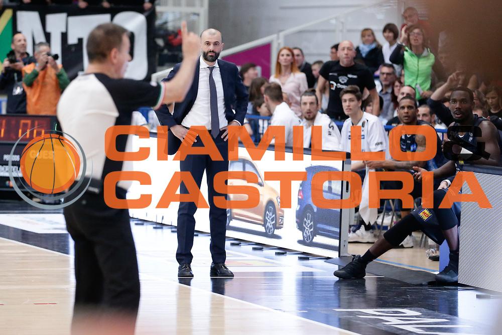 Maurizio Buscaglia<br /> Dolomiti Energia Aquila Basket Trento - Germani Basket Brescia Leonessa<br /> Lega Basket Serie A 2016/2017<br /> PalaTrento, 23/04/2017<br /> Foto Ciamillo-Castoria / M. Brondi