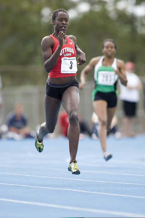 Akinsulie, Esther competing in the 400m at the 2007 OTFA Junior-Senior Championships in Ottawa.