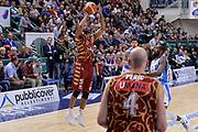 DESCRIZIONE : Campionato 2015/16 Serie A Beko Dinamo Banco di Sardegna Sassari - Umana Reyer Venezia<br /> GIOCATORE : Phil Goss<br /> CATEGORIA : Tiro Tre Punti Three Point<br /> SQUADRA : Umana Reyer Venezia<br /> EVENTO : LegaBasket Serie A Beko 2015/2016<br /> GARA : Dinamo Banco di Sardegna Sassari - Umana Reyer Venezia<br /> DATA : 01/11/2015<br /> SPORT : Pallacanestro <br /> AUTORE : Agenzia Ciamillo-Castoria/L.Canu