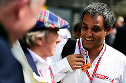 Formel 1: GP von Mexiko 2016 - Rennen in Mexiko-Stadt / 301016<br /> <br /> ***Juan Pablo Montoya (COL) wqi Jackie Stewart (GBR).<br /> 30.10.2016. Formula 1 World Championship, Rd 19, Mexican Grand Prix, Mexico City, Mexico, Race Day.<br />  Copyright: Price / XPB Images / action press ***