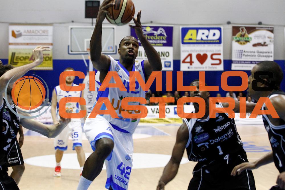 DESCRIZIONE : Capo dOrlando Lega A 2014-15 Orlandina Basket Dolomiti Energia Trento<br /> GIOCATORE : FOLARIN CAMPBELL<br /> CATEGORIA : PENETRAZIONE<br /> SQUADRA : Orlandina Basket Dolomiti Energia Trento<br /> EVENTO : Campionato Lega A 2014-2015 <br /> GARA : Orlandina Basket Dolomiti Energia Trento<br /> DATA : 03/05/2015<br /> SPORT : Pallacanestro <br /> AUTORE : Agenzia Ciamillo-Castoria/G.Pappalardo<br /> Galleria : Lega Basket A 2014-2015<br /> Fotonotizia : Capo dOrlando Lega A 2014-15 Orlandina Basket Dolomiti Energia Trento