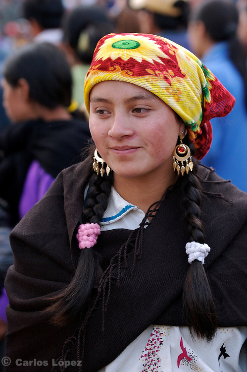 A GIRL FROM THE NORTHEN HIGHLANDS WEARING TRADITIONAL CLOTHES.