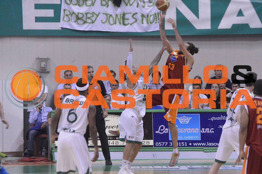 DESCRIZIONE : Roma Lega A 2012-2013 Montepaschi Siena Acea Roma playoff finale gara 4<br /> GIOCATORE : Luigi Datome <br /> CATEGORIA : Tiro Controcampo <br /> SQUADRA : Acea Roma<br /> EVENTO : Campionato Lega A 2012-2013 playoff finale gara 4<br /> GARA : Montepaschi Siena Acea Roma<br /> DATA : 17/06/2013<br /> SPORT : Pallacanestro <br /> AUTORE : Agenzia Ciamillo-Castoria/GiulioCiamillo<br /> Galleria : Lega Basket A 2012-2013  <br /> Fotonotizia : Roma Lega A 2012-2013 Montepaschi Siena Acea Roma playoff finale gara 4<br /> Predefinita :
