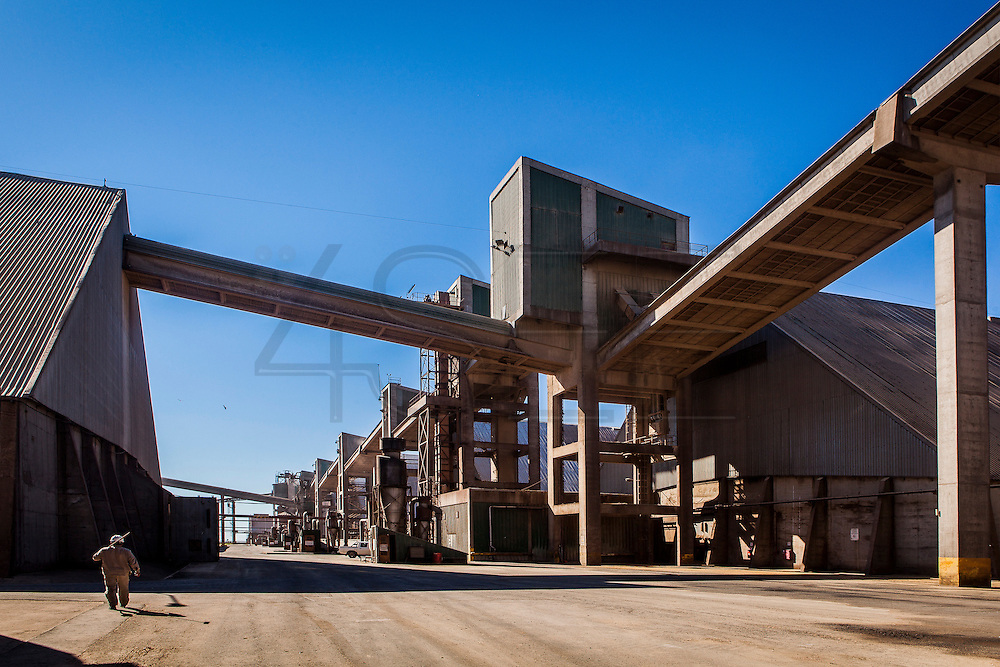 2015/03/06 – San Lorenzo, Argentina: Giant conveyor belts conduct soy grains from the boats to the processing plant at Terminal 6 of the General San Martín Port. On average 8 boats discharge their content in the port, corresponding to 14,000 tons a day. Terminal 6 is the largest of its kind in South America where 80,000 tons per day are received by trucks, trains and boats. The grains are then process at the plant located at the port and then shipped worldwide. (Eduardo Leal)