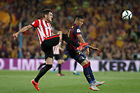 Barcelona´s Neymar Jr (R) and Athletic de Bilbao´s Xabier Etxeita during 2014-15 Copa del Rey final match between Barcelona and Athletic de Bilbao at Camp Nou stadium in Barcelona, Spain. May 30, 2015. (ALTERPHOTOS/Victor Blanco)
