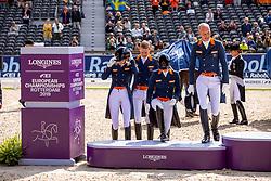 MEULENDIJKS Anne (NED), GAL Edward (NED), MINDERHOUD Hans Peter (NED), SCHOLTENS Emmelie (NED),<br /> Rotterdam - Europameisterschaft Dressur, Springen und Para-Dressur 2019<br /> Siegerehrung Team Wertung<br /> Longines FEI European Championships Dressage Grand Prix - Teams (2nd group)<br /> Teamwertung 2. Gruppe<br /> 20. August 2019<br /> © www.sportfotos-lafrentz.de/Stefan Lafrentz
