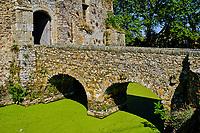 France, Manche (50), Cotentin, château de Pirou, château fort datant du XIIe siècle // France, Normandy, Manche department, Cotentin, Pirou castle, from 12 century