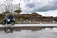 muro della discarica crollato per il peso dei rifiuti, Sant&rsquo;Antimo (NA);<br />