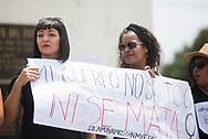 Mujeres del colectivo caminemos sin miedo participan en la concentración para denunciar los asesinatos de mujeres en San Salvador, El Salvador. Mas de un centenar protestaron en el monumento a la constitución solo en la ultima ocho días mas 10 mujeres fueron asesinadas entre ellas profesionales. Photo: Edgar ROMERO/Imagenes Libres.