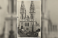 [Zagreb] : [Stolna crkva]. <br /> <br /> ImpresumZagreb : Foto-Material od t. t. Griesbach i Knaus, [između 1929 i 1940].<br /> Materijalni opis1 razglednica : tisak ; 14 x 9 cm.<br /> NakladnikFotoveletrgovina Griesbach i Knaus (Zagreb)<br /> Vrstavizualna građa • razglednice<br /> ZbirkaGrafička zbirka NSK • Zbirka razglednica<br /> ProjektPozdrav iz Zagreba • Pozdrav iz Hrvatske<br /> Formatimage/jpeg<br /> PredmetZagreb –– Kaptol<br /> Katedrala Uznesenja Marijina (Zagreb)<br /> SignaturaRZG-KAP-79<br /> Obuhvat(vremenski)20. stoljeće<br /> NapomenaRazglednica nije putovala.<br /> PravaJavno dobro<br /> Identifikatori000955775<br /> NBN.HRNBN: urn:nbn:hr:238:249276 <br /> <br /> Izvor: Digitalne zbirke Nacionalne i sveučilišne knjižnice u Zagrebu