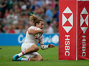 Twickenham, United Kingdom. 3rd June 2018, HSBC London Sevens Series. Game 44 Bronze Medal Game. Ireland vs England. <br /> <br /> Englands, Dan BIBBY. touching down, to score a try, during the Rugby 7's, match played at the  RFU Stadium, Twickenham, England,  <br /> <br /> <br /> <br /> © Peter SPURRIER/Alamy Live News