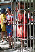 Koningin Máxima en koningin Mathilde van België openen de beeldententoonstelling Den Haag Sculptuur op het Lange Voorhout. In de openlucht tentoonstelling 'Vormidable' staan kunstwerken van gevestigde en opkomende Vlaamse kunstenaars, wordt twintig jaar culturele samenwerking tussen Nedeland en België gevierd.<br /> <br /> <br /> Queen Maxima and Queen Mathilde of Belgium opened the sculpture exhibition The Hague Sculpture on the Lange Voorhout. In the outdoor exhibition Vormidable 'are works by established and emerging Flemish artists, celebrates twenty years of cultural cooperation between the laws of the Netherlands and Belgium.<br /> <br /> Op de foto / On the photo:  Koningin Máxima en koningin Mathilde krijgen een rondleiding langs de beeldententoonstelling<br /> <br /> Queen Maxima and Queen Mathilde get a tour of the sculpture exhibition