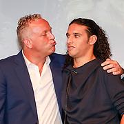 NLD/Amsterdam /20130418 - Perspresentatie X-Factor 2013, Gordon wil Ali b kusje geven