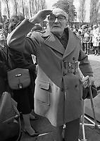 Irish Citizen Army Veteran Jimmy Gibson from Marlborough Street salutes the Tri-Colour flag at the 1916 Commemoration Ceremony at Arbour Hill, 07/05/1986 (Part of the Independent Newspapers Ireland/NLI Collection).