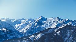 THEMENBILD, der Gletscher Kitzsteinhorn mit seinem Skigebiet und die Schmitten, aufgenommen in Saalfelden, Oesterreich am 11. Feber 2015 // The glacier Kitzsteinhorn with its ski area and the Schmitten Mountain, Saalfelden, Austria on 2015/02/11. EXPA Pictures © 2015, PhotoCredit: EXPA/ JFK
