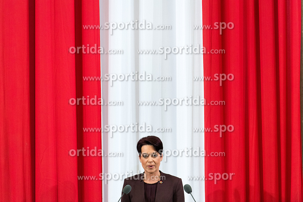 26.01.2017, Historischer Sitzungssaal, Wien, AUT, Parlament, 18. Bundesversammlung zur Angelobung des neuen Bundespräsidenten Van der Bellen, im Bild Präsidentin des Bundesrates Sonja Ledl-Rossmann // president of the federal council Sonja Ledl-Rossmann during inauguration ceremony for the new federal president of austria at austrian parliament in Vienna, Austria on 2017/01/26, EXPA Pictures © 2017, PhotoCredit: EXPA/ Michael Gruber