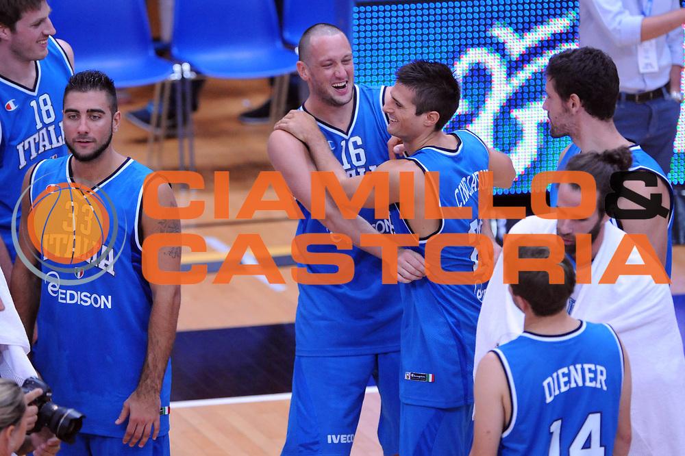 DESCRIZIONE : Trento Trentino Basket Cup Italia Polonia<br /> GIOCATORE : Guido Rosselli Andrea Cinciarini<br /> CATEGORIA : Esultanza<br /> SQUADRA : Nazionale Italia Maschile<br /> EVENTO :  Trento Trentino Basket Cup<br /> GARA : Italia Polonia<br /> DATA : 09/08/2013<br /> SPORT : Pallacanestro<br /> AUTORE : Agenzia Ciamillo-Castoria/Max.Ceretti<br /> Galleria : FIP Nazionali 2013<br /> Fotonotizia : Trento Trentino Basket Cup Italia Israele<br /> Predefinita :
