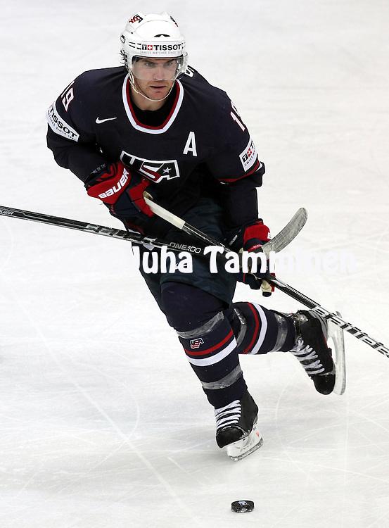 4.5.2012, Hartwall-Areena, Helsinki, Finland..IIHF Ice Hockey World Championship 2012 / Jkiekon MM-kisat 2012..Preliminary round - Group H - Game 1..USA - France..Jim Slater - USA..