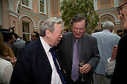 ANTHONY HOWARD AND FERDINAND MOUNT, Launch of the new magazine 'Standpoint'. Wallace Collection. Manchester Sq. London. 28 May 2008.  *** Local Caption *** -DO NOT ARCHIVE-© Copyright Photograph by Dafydd Jones. 248 Clapham Rd. London SW9 0PZ. Tel 0207 820 0771. www.dafjones.com.