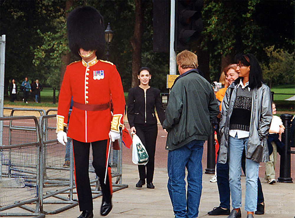 Buckingham Palace Guard out of turn